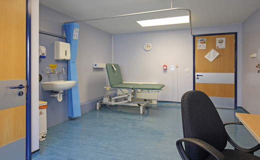 Examination room 01 DG 42