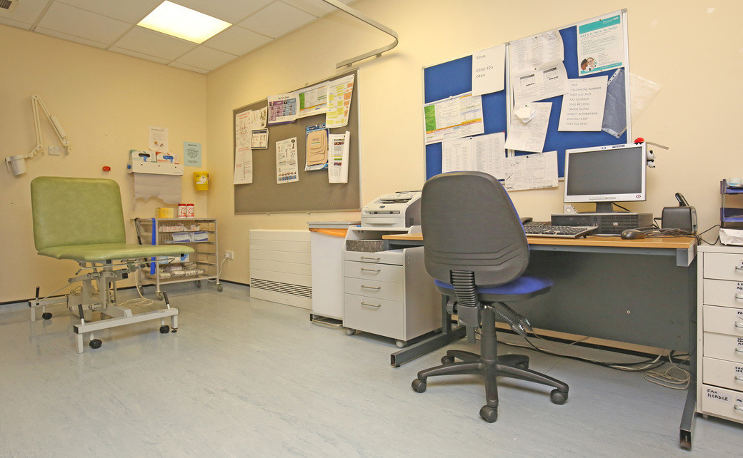Failsworth leg ulcer room   4jpg