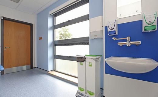 Examination room L1-028
