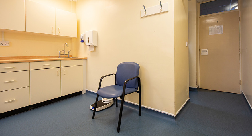 Dover health centre examination room 1 004