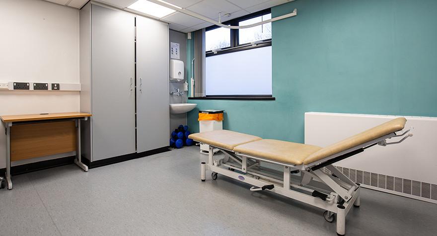 Longsight health centre examination room 15 004