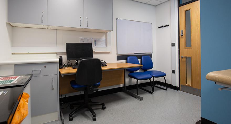 Longsight health centre examination room 6 002