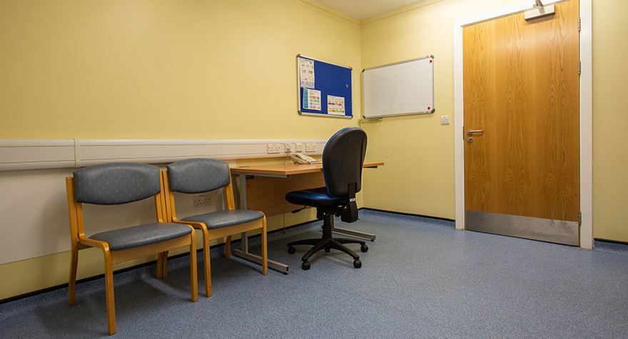 North hykeham health centre consulting room 10 003