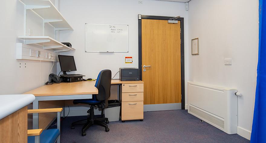 Riverview health centre examination room l01 49 003