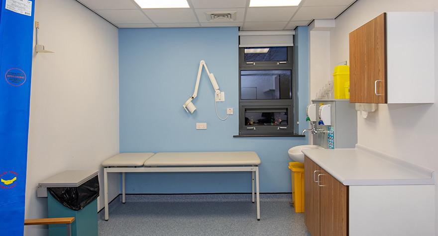 Riverview health centre examination room l01 49 001
