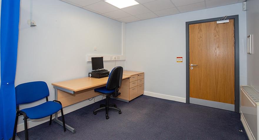 Riverview health centre examination room l01 64 004