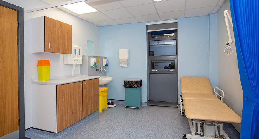 Riverview health centre examination room l01 64 005