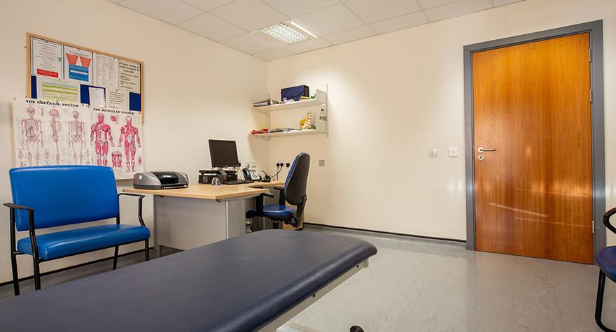 Yew tree centre examination room 6 004