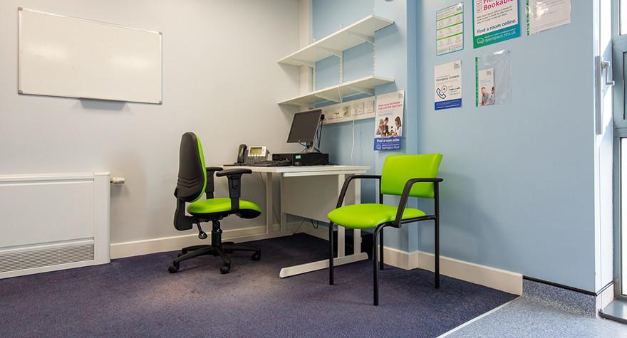 Riverview health centre examination room l01 63 004