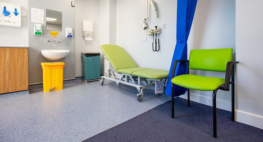 Riverview health centre examination room l01 63 003