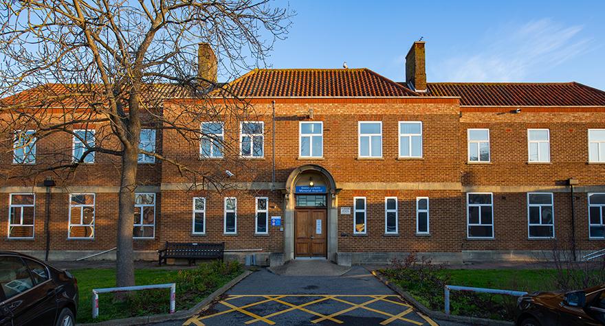 Queen victoria memorial hospital exterior 001