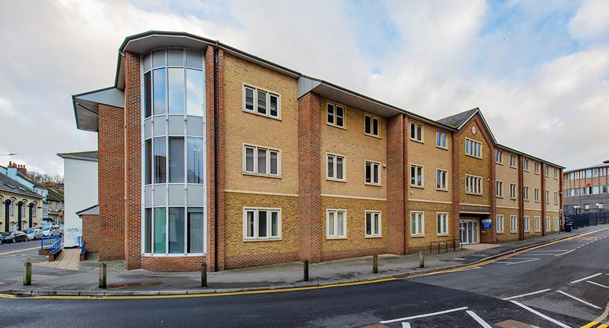 Folkestone health centre exterior 002