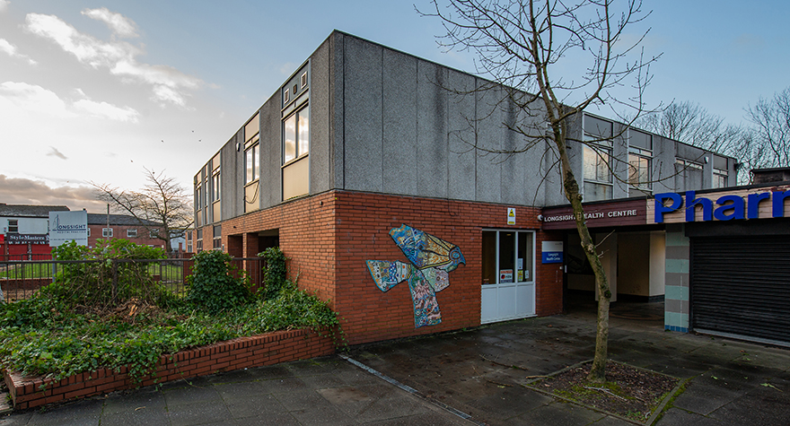 Longsight health centre exterior 001